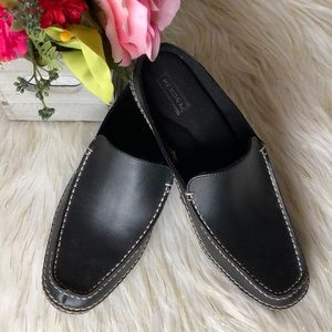 Womens slip on mules/shoes black leather 8.5